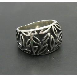 """Серебряное кольцо 925 пробы """"Листья"""""""