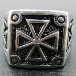 """Перстень """"Мальтийский крест"""""""