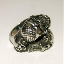 Cтальной перстень с черепами